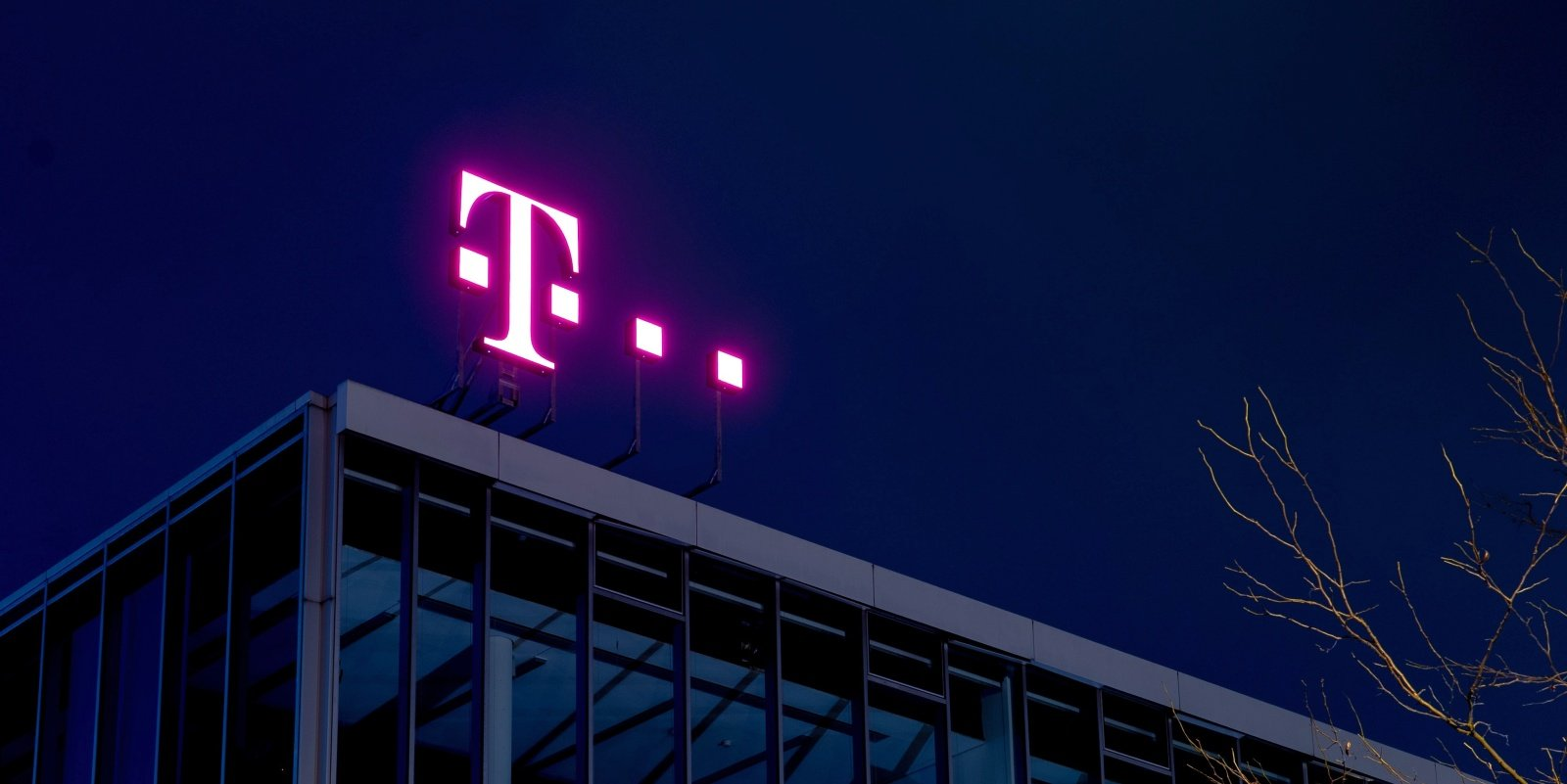 T-Mobile discloses data breach after SIM hijacking attacks