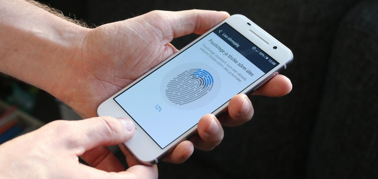 how to clean fingerprints on phone