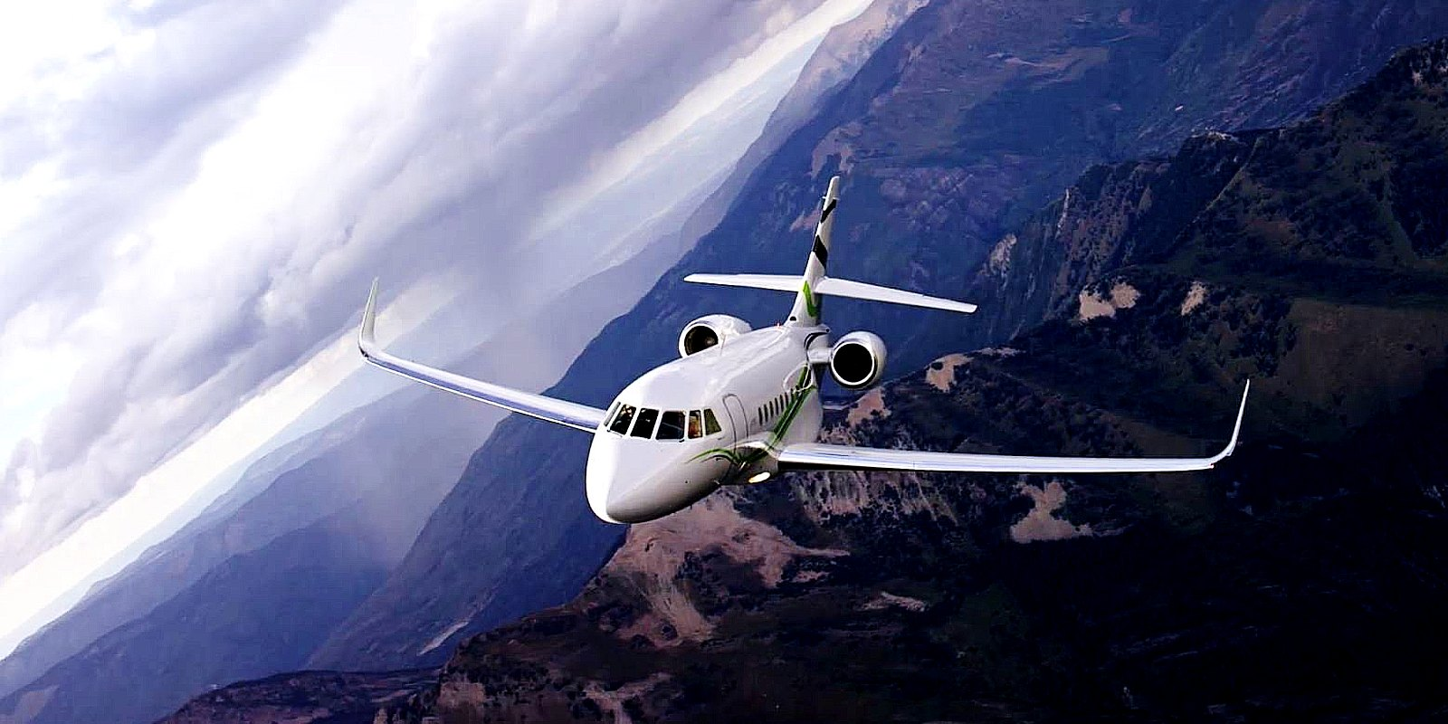 Falcon-business-jet.jpg