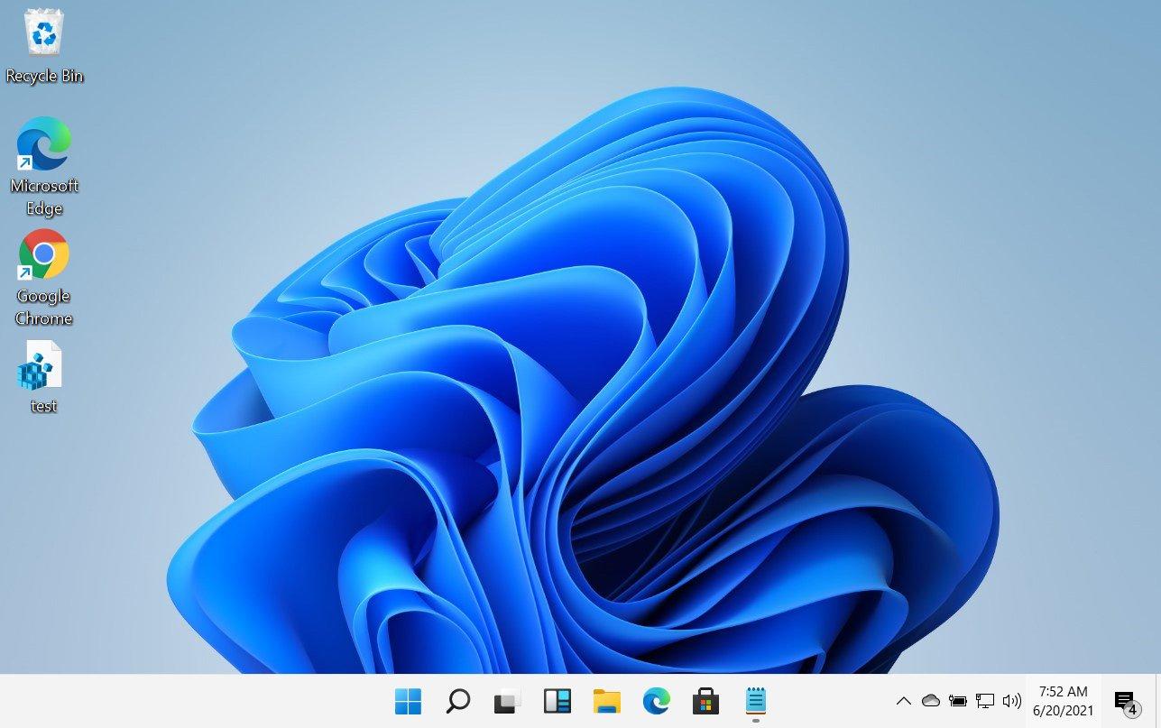 Center-aligned Windows 11 taskbar